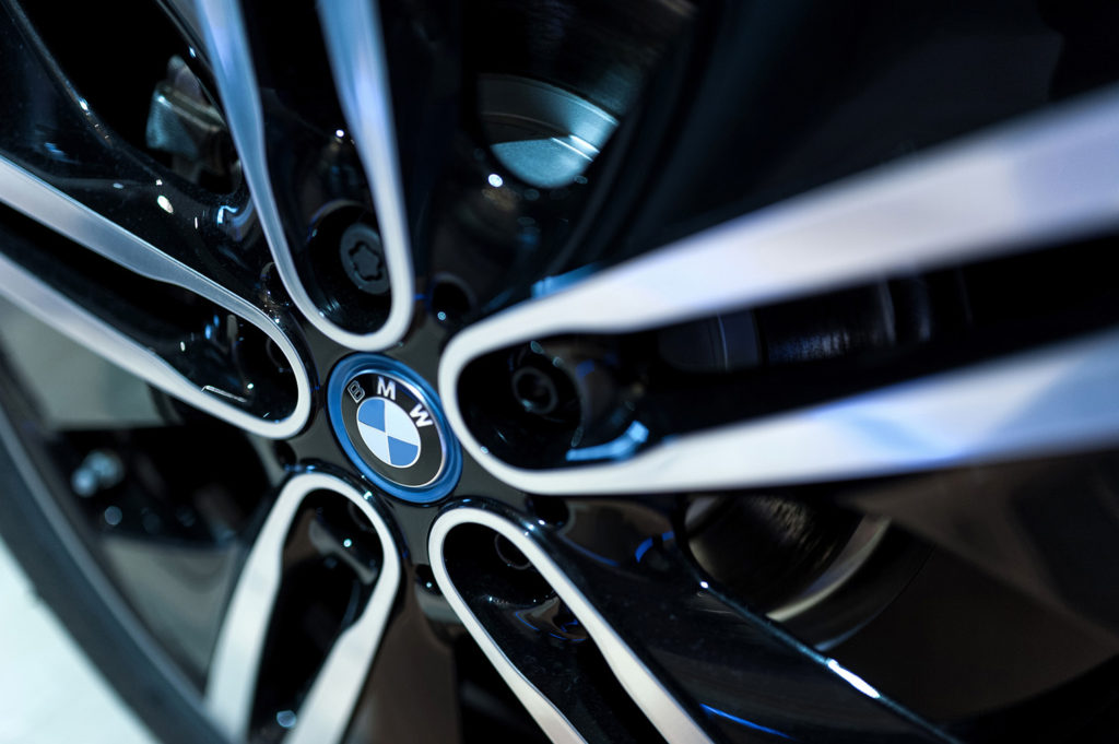 Фото диска BMW i8. Презентация автомобиля. Музей истории BMW. Юбилей баварской марки