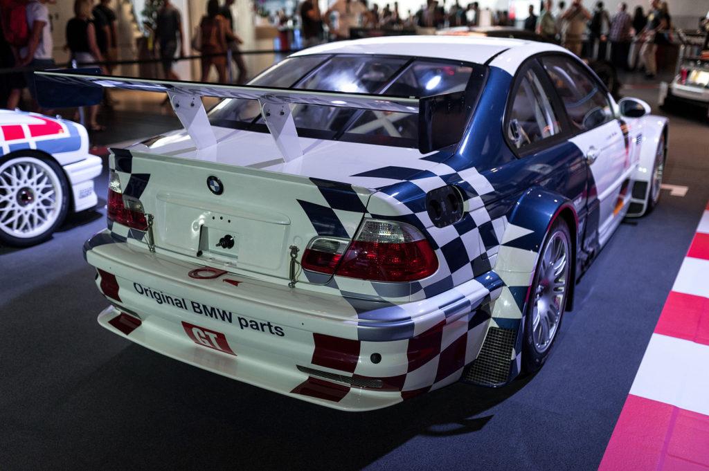 Фото спортивного автомобиля из игры NFS. Музей истории BMW. 100 лет баварской марке.