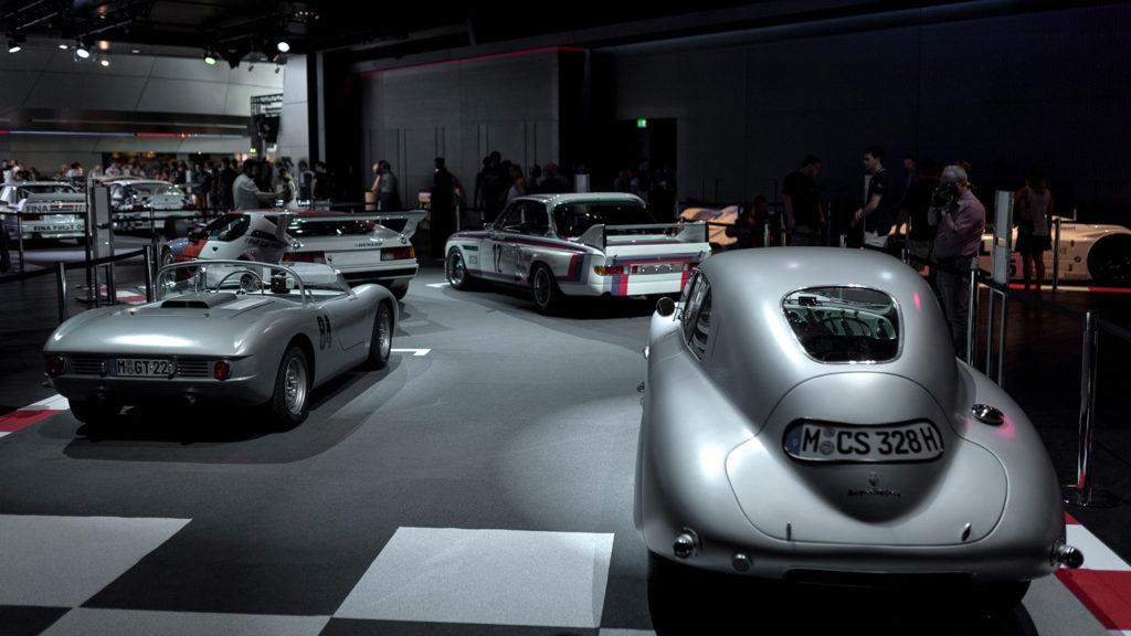 Фото выставочных автомобилей. Музей истории BMW. 100 лет баварской марке.