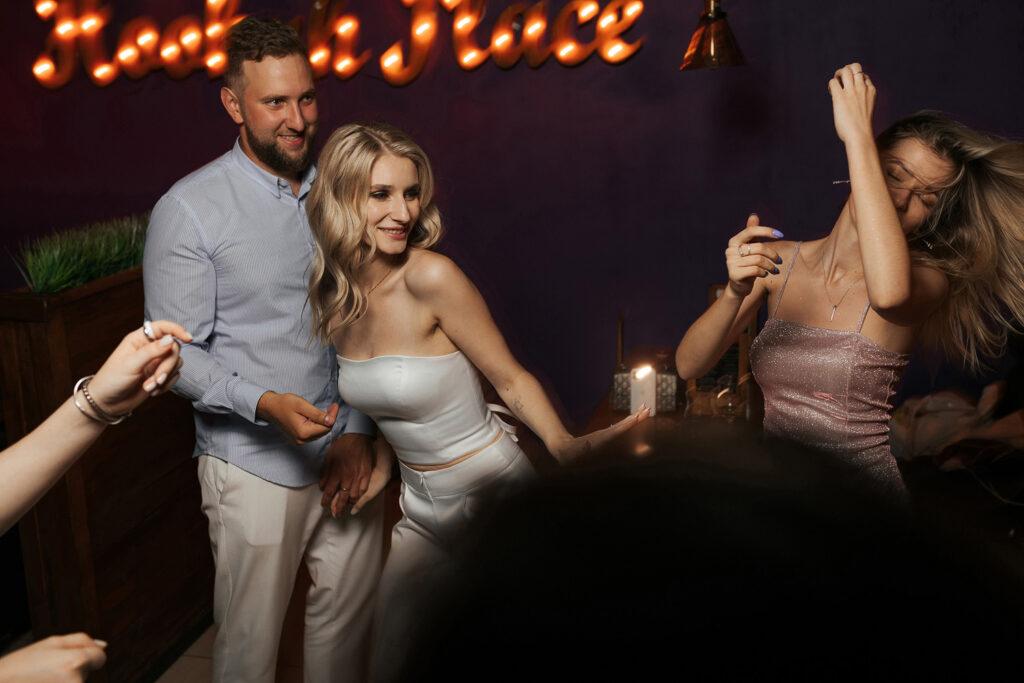 Танец молодоженов. Свадебный вечер Александра и Валерии